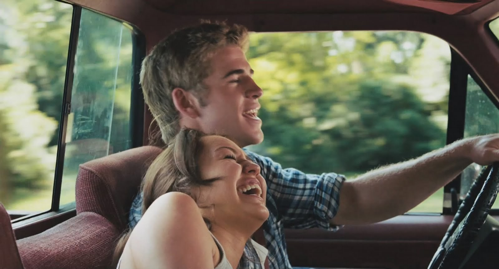 The Last Song images miley in liam's car HD wallpaper and ...