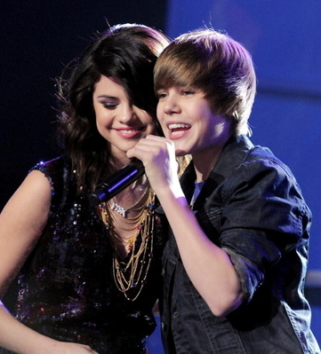 ... justin bieber Dick Clarks New Years Rockin Eve - selena-gomez photo