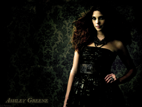 Ashley Greene FA