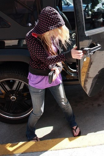 Avril Lavigne Out And About In Hollywood