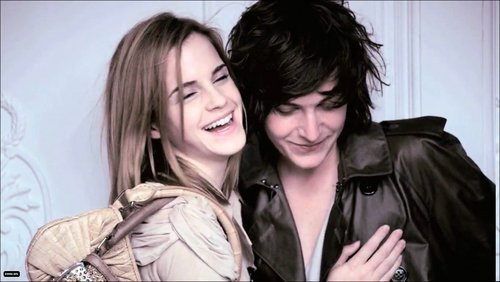 Emma Watson wallpaper called Burberry Spring 2010 Campaign Photo Shoot