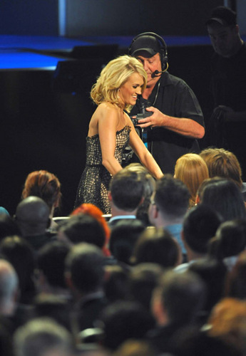 Carrie @ 2010 People's Choice Awards