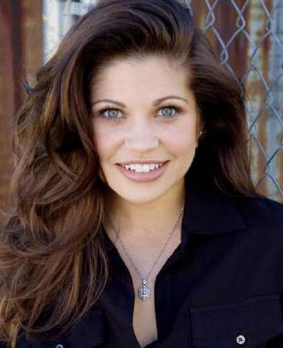 Danielle Fishel - boy-meets-world Photo