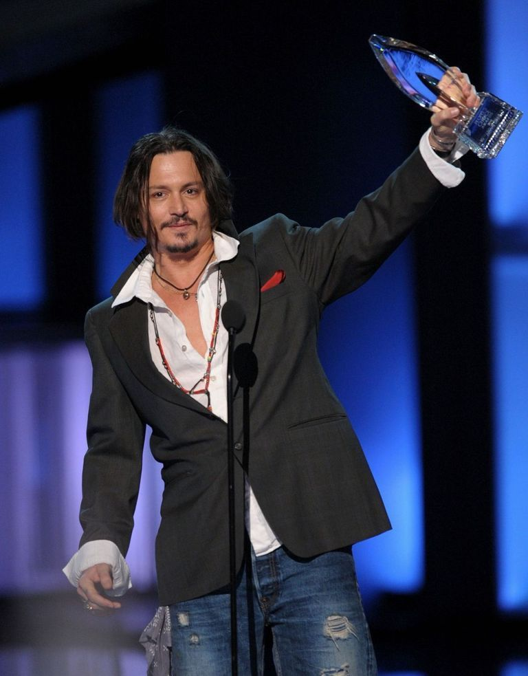 johnny depp movies 2010. Johnny Depp wins the Favorite