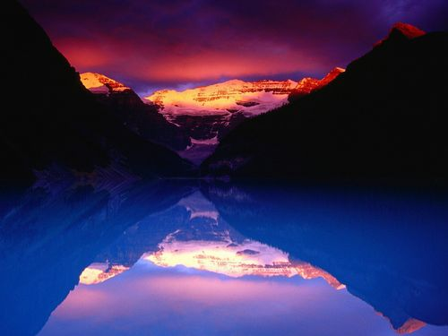 Lake Louise - canada Wallpaper
