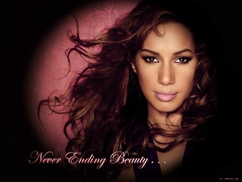 Leona Pretty achtergrond