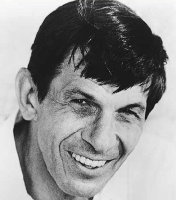 Leonard Nimoy wallpaper containing a portrait called Leonard
