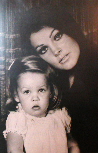 Lisa Marie && Mami