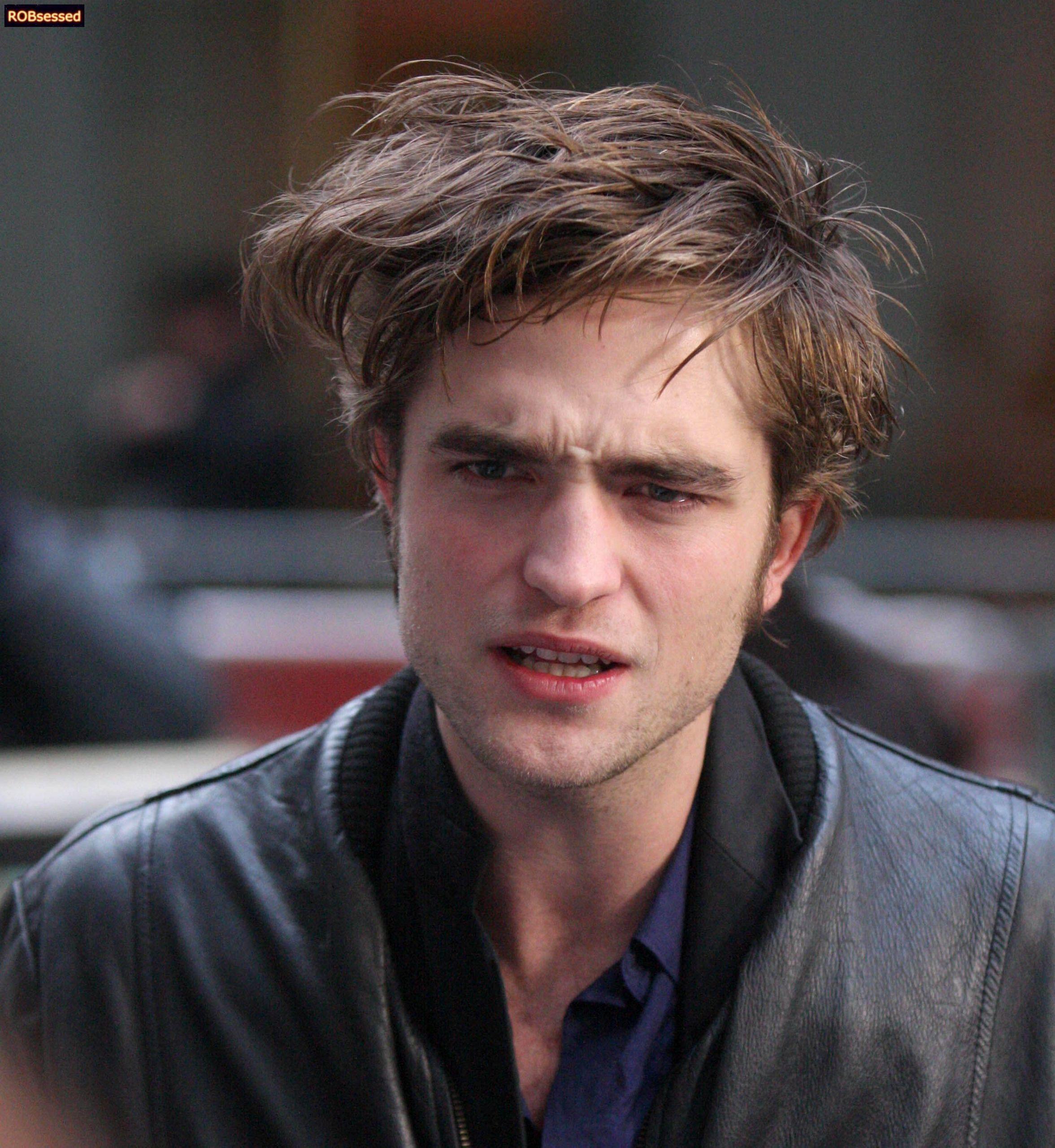 Robert Pattinson in NYC November 2008