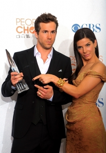 Ryan Reynolds images Ryan & Sandra @ 2010 People's Choice Awards wallpaper and background photos