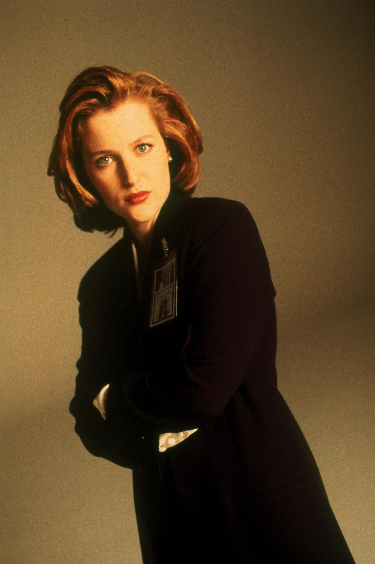 http://images2.fanpop.com/image/photos/9700000/Scully-Promos-the-x-files-9731345-1297-1950.jpg