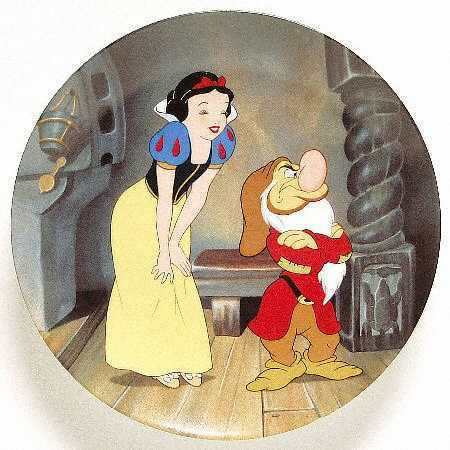 Snow White kertas dinding called Snow White & Grumpy