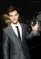 Taylor Lautner: 2010 peoples choice awards - taycob photo