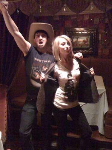 Twitpic Chelsea w/ Joe Jonas Whoa!