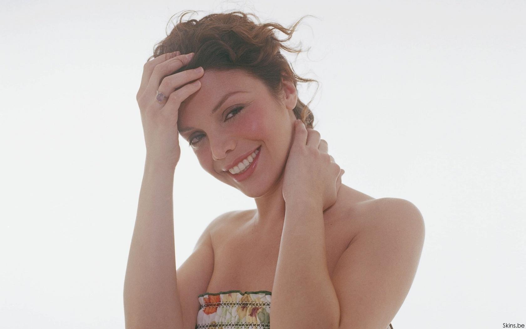 Vanessa Ferlito  nackt