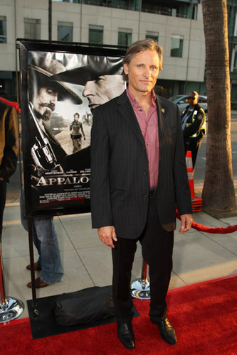 "Viggo at the ""Appaloosa"" LA Premiere"