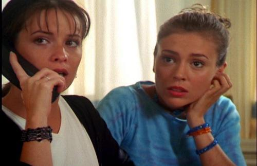 Piper and Phoebe Halliwell achtergrond titled piper and phoebe-P3 H20