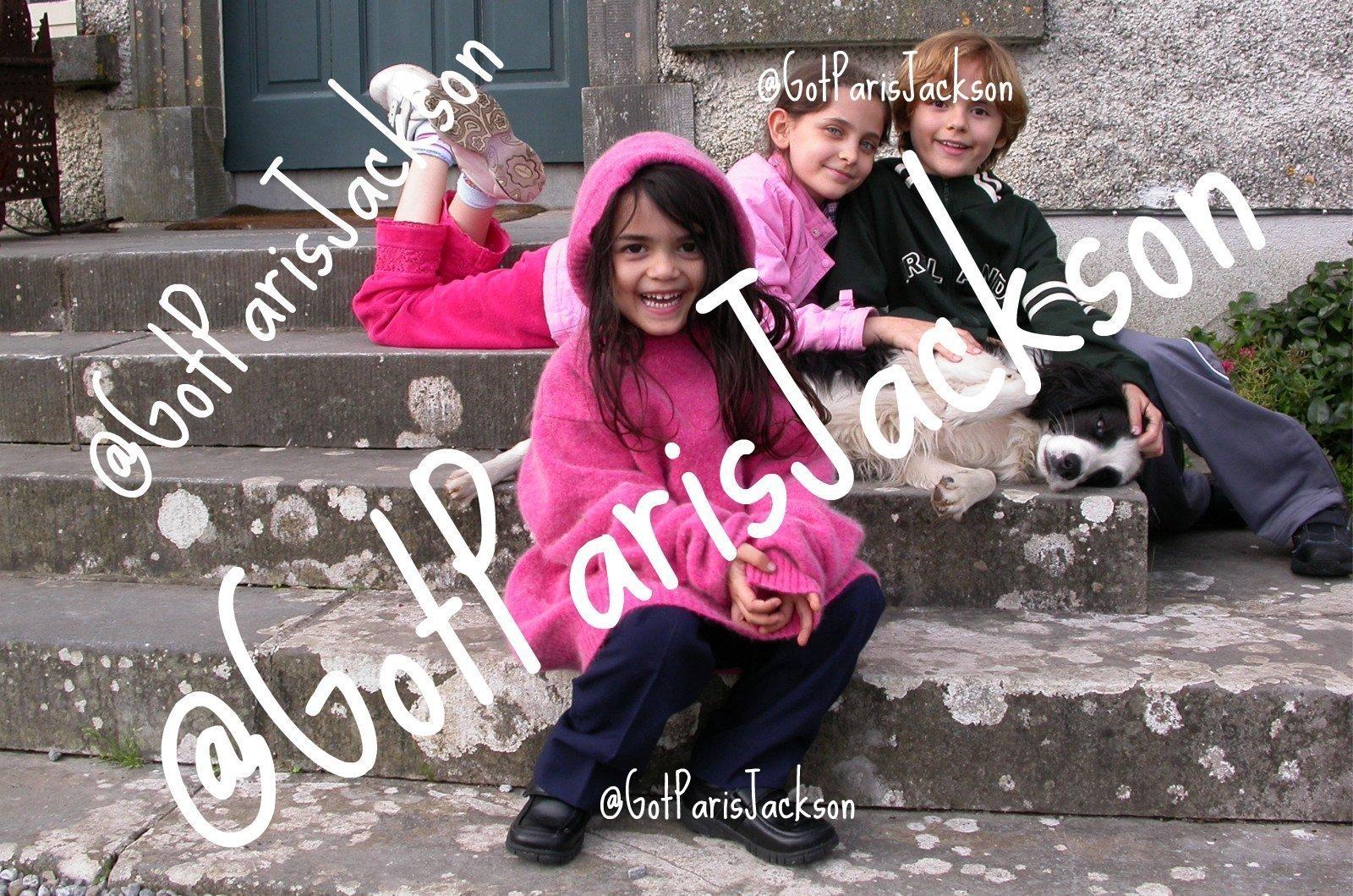 rare photos of michael's kids never seen b4 -  paris-jackson photo