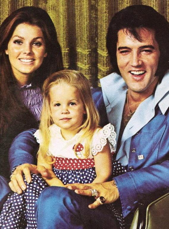 x ..Mami, Lisa Marie && Daddy.. x