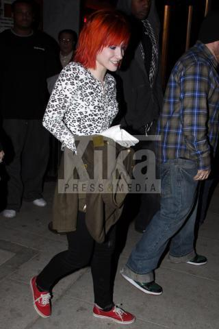 Hayley with Chad od Brandi Cyrus show in Los Angeles