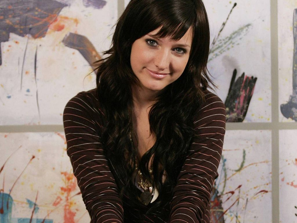 Ashlee Pretty Wallpaper - Ashlee Simpson Wallpaper (9880698
