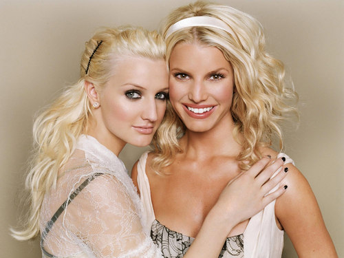 Ashlee Simpson wallpaper called Ashlee And Jessica