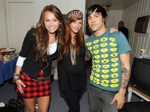 Ashlee,Pete And Miley