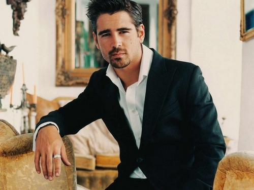 Colin Farrell wallpaper probably containing a business suit titled Colin Sexy Wallpaper
