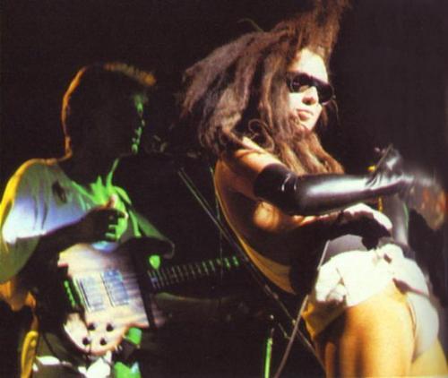 Dead au Alive band karatasi la kupamba ukuta titled DOA
