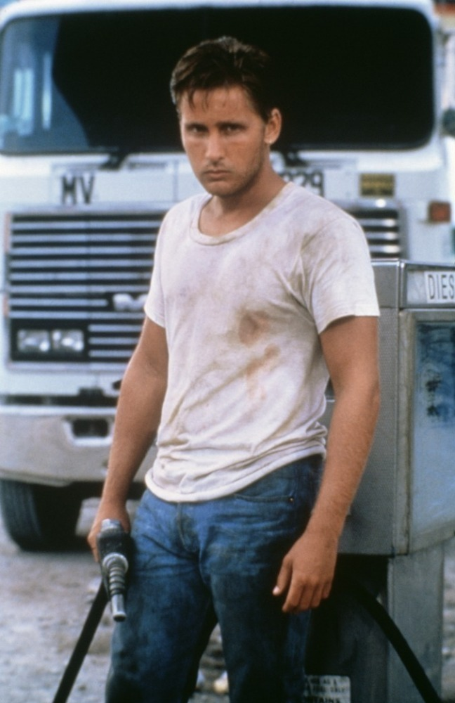 emilio estevez height