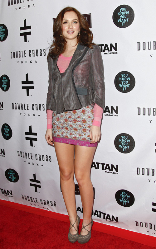 http://images2.fanpop.com/image/photos/9800000/Eric-Daman-s-book-launch-at-the-Henri-Bendel-Fifth-Avenue-boutique-Jan-12-leighton-meester-9892463-500-800.jpg