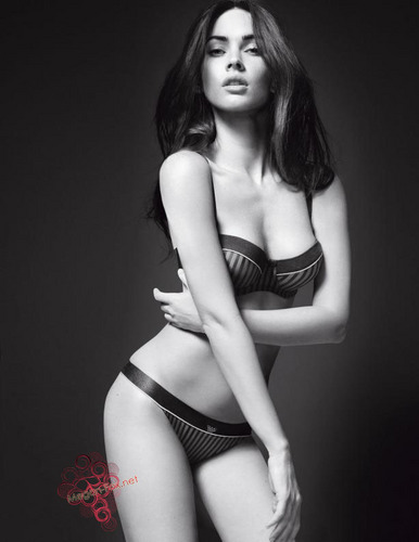 First Megan fox, mbweha picha Of Emporio Armani Underwear Campaign