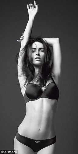 First Megan vos, fox foto's Of Emporio Armani Underwear Campaign