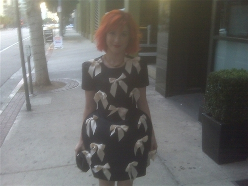 Hayley before the People's Choice Awards