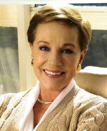 Julie Andrews hình nền titled Julie