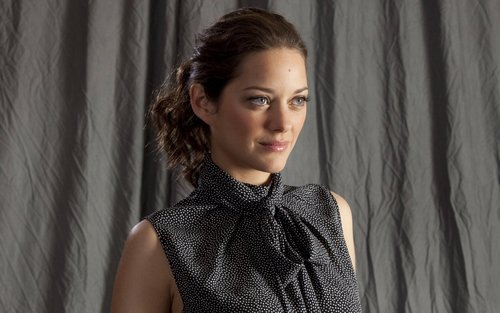 Marion Cotillard wallpaper probably with a portrait entitled Marion Cotillard Widescreen Wallpaper