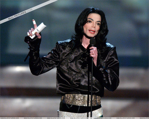 Michael Jakcosn > 2003 - 2005 > Awards > Radio Музыка Awards