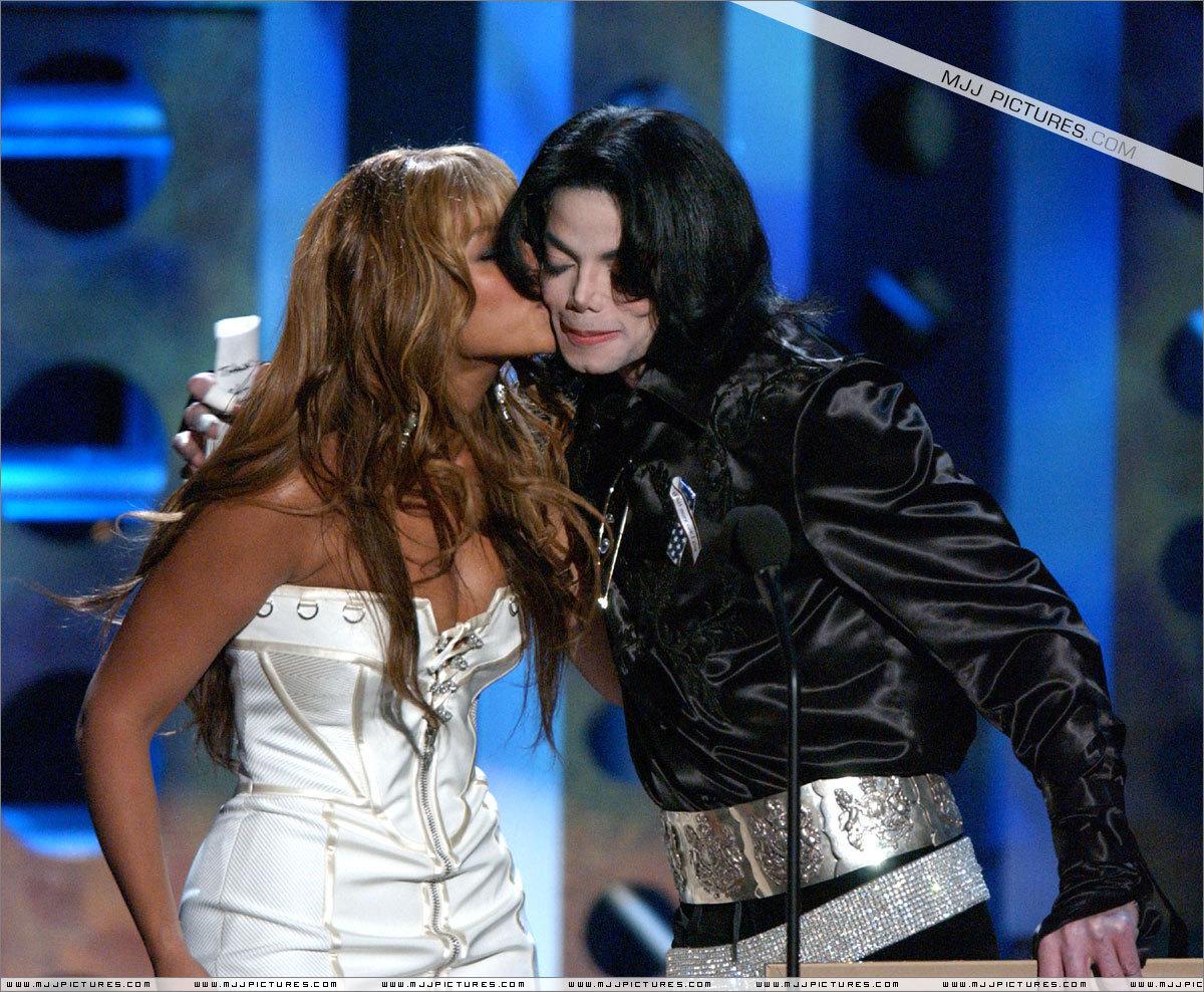 Michael Jakcosn > 2003 - 2005 > Awards > Radio সঙ্গীত Awards