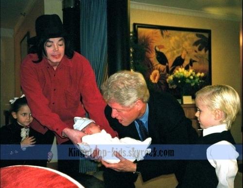 Michael's mga sanggol
