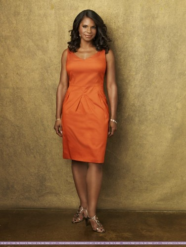 Naomi- New Promotional Cast picha
