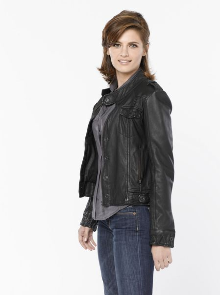 Castle New Promo Pics! Season 2 Kate Beckett
