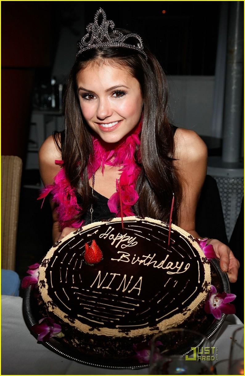 http://images2.fanpop.com/image/photos/9800000/Nina-s-21st-the-vampire-diaries-tv-show-9870589-795-1222.jpg