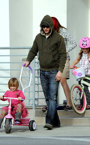 Peter Facinelli and Jennie Garth: Lunch with the Kids