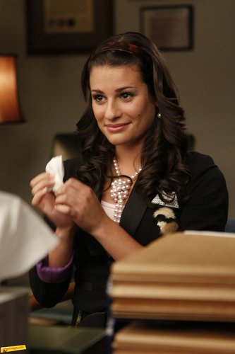 Rachel Berry achtergrond possibly containing a business suit entitled Rachel, (1x01)