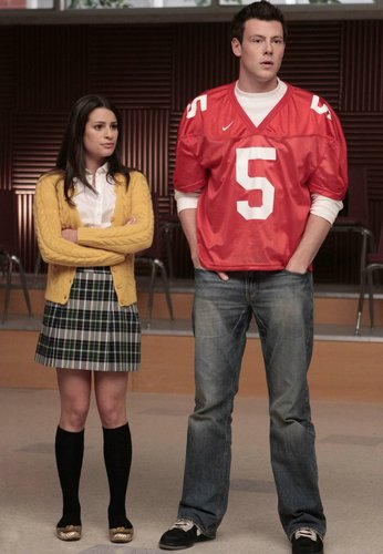 Rachel Berry achtergrond possibly containing a hip boot entitled Rachel, (1x02)