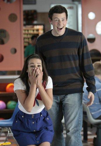 Rachel Berry karatasi la kupamba ukuta entitled Rachel, (1x05)