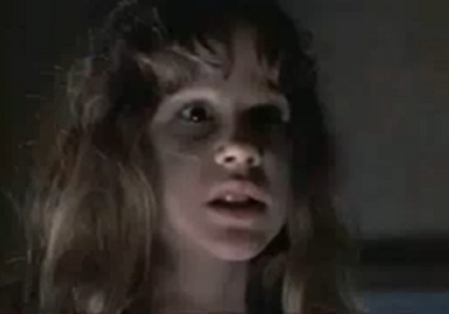 The Exorcist karatasi la kupamba ukuta entitled Regan Mcneil