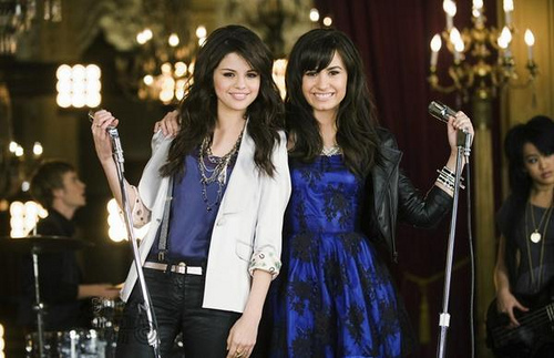Selena Gomez và Demi Lovato hình nền entitled Selena+Demi,One and the same