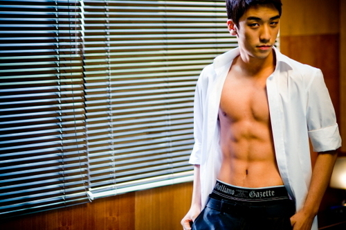 Big Bang wallpaper entitled Seung ri's ABS