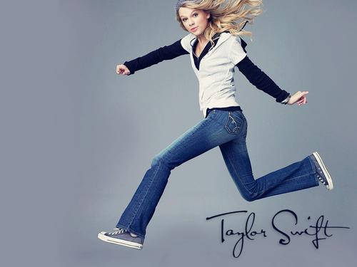 Taylor Pretty kertas dinding